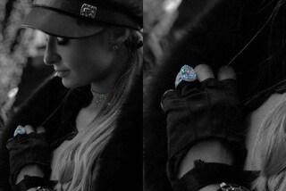 Un diamante a goccia che costa 2 milioni: l'anello di fidanzamento di Paris Hilton