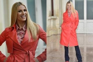 Michelle Hunziker in rosso: cappotto di pelle per la prima conferenza di Sanremo 2018