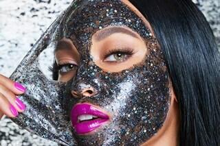 Maschere glitter, il beauty trend diventato virale