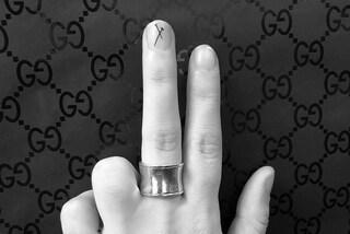 La  nuova moda del tatuaggio mini sulle unghie: è indolore e sparisce in pochi mesi