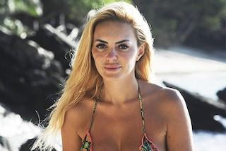Isola dei famosi: come mai Elena Morali sembra truccata ma non lo è
