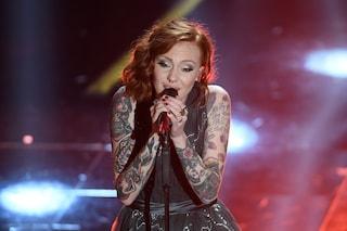 Da X-Factor a Sanremo: Eva, la giovane cantautrice è la più tatuata del Festival