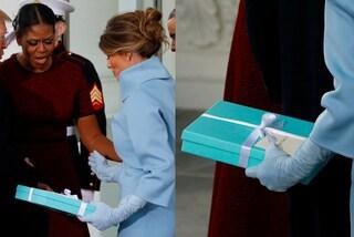 Ricordate il regalo fatto da Melania a Michelle? L'ex First Lady rivela tutta la verità