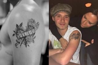 Brooklyn Beckham dedica il tatuaggio a mamma Victoria: è un cuore con dentro il suo nome