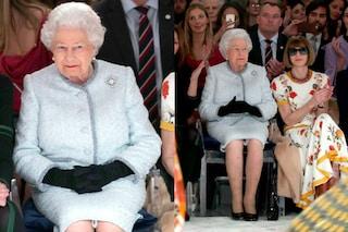 Elisabetta II per la prima volta a una sfilata: la regina segue lo show dalla prima fila