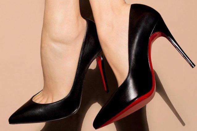 new product 1f5fe ed29c Le scarpe Louboutin finiscono in tribunale: l'iconica suola ...
