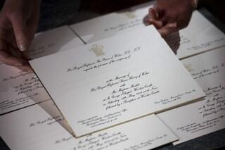 Dettagli dorati e caratteri in corsivo: gli inviti alle nozze di Henry e Meghan Markle