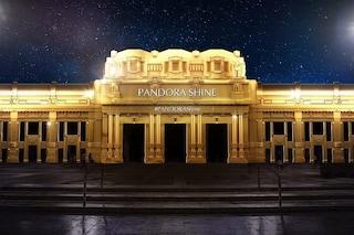 Pandora trasforma la Stazione Centrale di Milano: una cascata d'oro sulla facciata