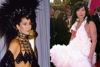 Dall'abito cigno al cappello di piume: i look delle star più strani degli Oscar