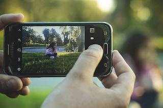 E' giusto pubblicare le foto dei propri figli sui social? Il parere della psicologa