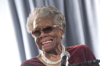 Maya Angelou, chi è la poetessa che ha cambiato il mondo con le sue parole