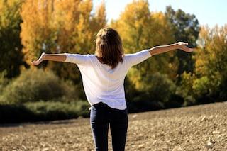 Come sentirsi felici in 15 secondi: i trucchi per combattere i pensieri negativi