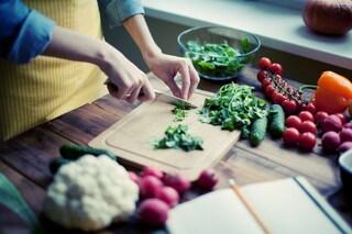 6 cibi che aiutano a prevenire il cancro: cosa mangiare per combattere i tumori