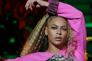 Vuoi un viso come Beyoncé? Basta usare le cartine delle sigarette prima del make-up