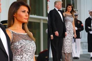 Melania Trump scintillante per la Cena di Stato: l'abito argentato è coperto di cristalli
