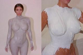 Kim Kardashian nuda per il calco del corpo: la bottiglia del profumo avrà le sue forme