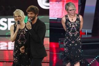 Maria De Filippi con l'abito a fiori: ad Amici ricicla il look di Sanremo