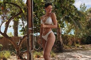 Stella Bossari, la figlia di Daniele e Filippa in bikini è più sexy che mai