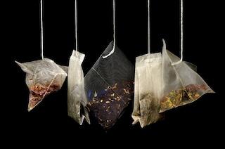 Le bustine del tè contengono più batteri di un water: ecco perché