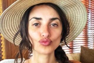Il selfie senza trucco di Penelope Cruz: anche al naturale l'attrice è splendida