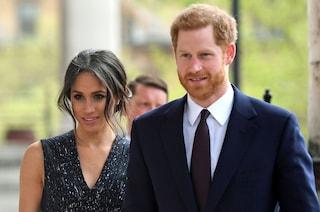 Ecco perché il principe Harry indossa sempre lo stesso completo blu