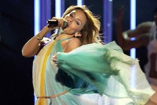 I 50 anni di Kylie Minogue: auguri alla popstar dallo stile glamour e sofisticato