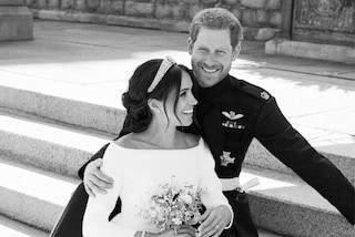 Ecco perché Harry è Meghan sorridono nella foto ufficiale delle nozze