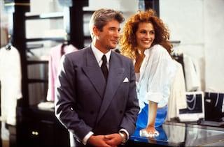 """Julia Roberts in """"Pretty Woman"""" ancora oggi è icona di stile: i look più trendy del film"""