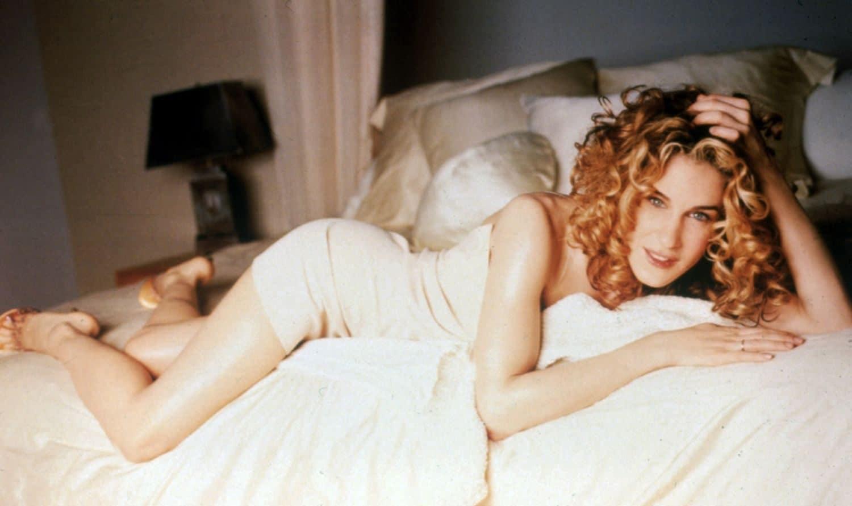 Carrie Bradshaw col nude dress nella prima serie