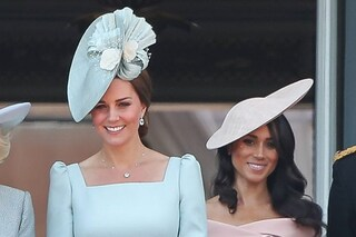 Perché Meghan Markle era dietro Kate Middleton sul balcone di Buckingham Palace?