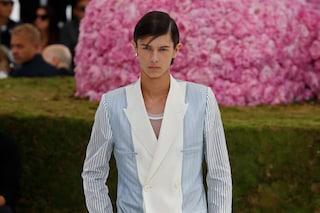 Il principeNikolai di Danimarca modello per Dior: ha aperto lui la sfilata parigina