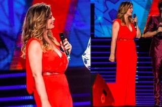 Vanessa Incontrada in rosso: vestito sensuale per la seconda puntata dei Wind Music Awards