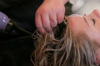 """Prova il metodo no poo e non usa più lo shampoo: """"Così ho detto addio ai capelli secchi"""""""