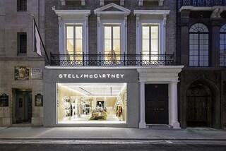 Nel nuovo store di Stella McCartney a Londra si respira l'aria più pulita della capitale