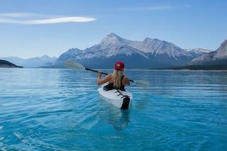 I benefici del kayak: ecco quante calorie fa perdere