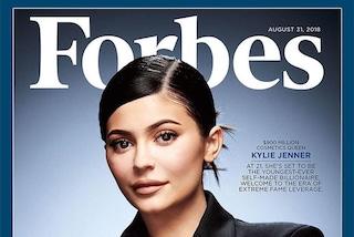 Kylie Jenner sulla copertina di Forbes: a 21 anni è la più giovane miliardaria d'America
