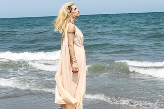 Michelle Hunziker: addio bikini, benvenuti abiti larghi...è per nascondere il pancino?