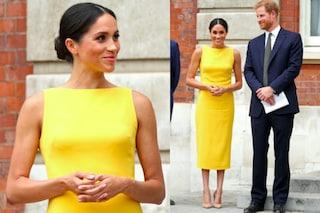 Meghan Markle in giallo e con lo chignon: il look estivo della principessa