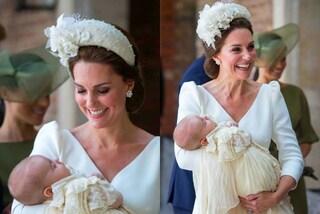 Kate Middleton in bianco: per il battesimo del principe Louis indossa il frontino di fiori