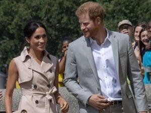 Matrimonio In Inghilterra : Harry d inghilterra scarpa bucata al matrimonio degli amici