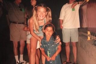 Blake Lively con le codine e le maxi zeppe: la foto da ragazzina in versione Baby Spice