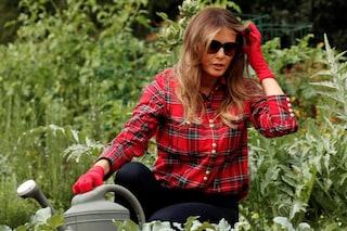 """Melania Trump torna nell'occhio del ciclone, colpa delle """"scarpe da giardinaggio"""""""