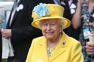 La regina Elisabetta cerca un lavapiatti: ecco come lavorare per la Royal Family