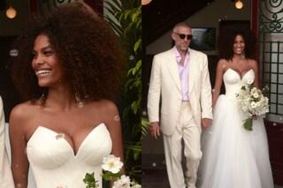 Tina Kunakay sposa Vincent Cassel: maxi scollatura e capelli afro per la sexy modella