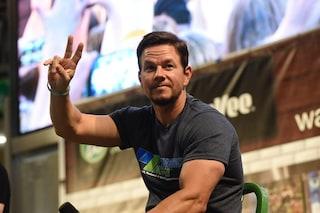 Crioterapia e sveglia alle 2.30: così Mark Wahlberg cura i suoi muscoli a 47 anni