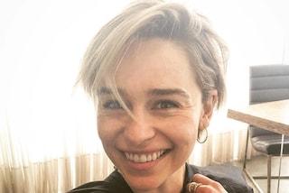 Emilia Clarke ci dà un taglio: l'attrice passa ai capelli cortissimi