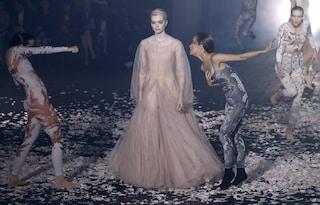 Paris Fashion Week, si parte con la danza di Dior e il teatro di Gucci