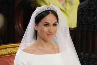 """Meghan Markle: ecco il """"qualcosa di blu"""" che ha indossato al matrimonio con Harry"""