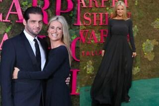 Michelle Hunziker lady in nero, alla Fashion Week tra le braccia di Tomaso Trussardi