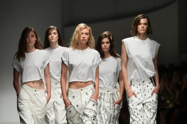 07e39279d2dc Milano Fashion Week  dal fluo al militare 15 tendenze per la ...
